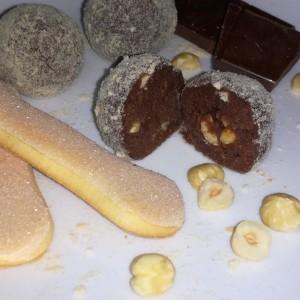 Чоколадни бомбици со лешници