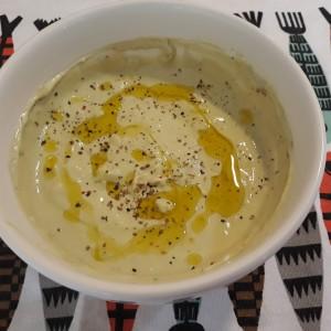 Едноставен сос за свежи и крем салати (намаз, дип)