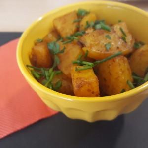Печен компир со сенф и соја сос (посно)