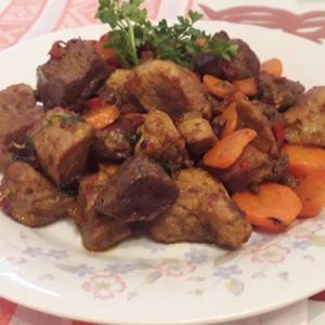 Свинско мезе со месо и џигер