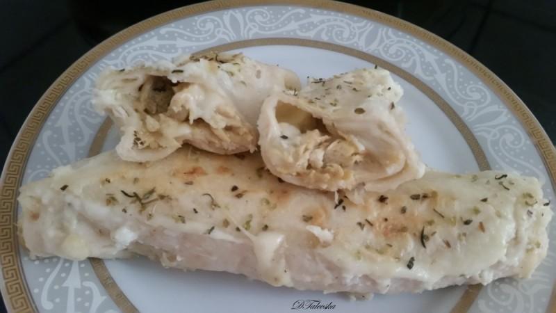 Запечени тортиљи со пилешко и бешамел