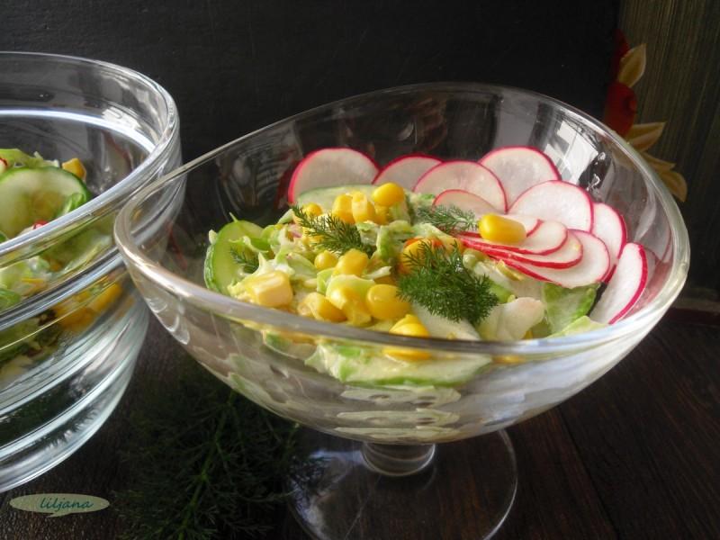 Кремаста салата со зелка и краставица