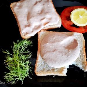 Паштета од туна, со јајце и топено сирење