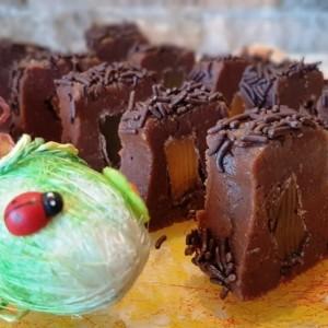 Кaрамел колачи со чоколаден локум (без печење)