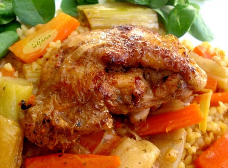 Пилешко со праз и морков