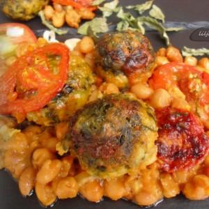 Гравче со домати и ќофте (кнедли) со спанаќ