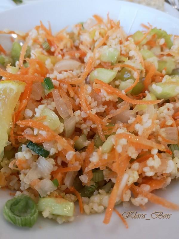 Кус кус салата со зеленчук