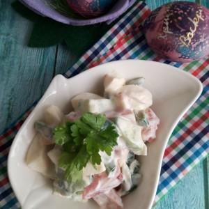 Салата со јајца, краставица и патлиџан