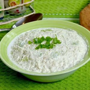 Индиска салата (ориз, авокадо, индиски ореви и козјо сирење)