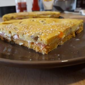 Двобојна сендвич проја
