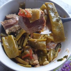 Зелена боранија со јагнешко месо