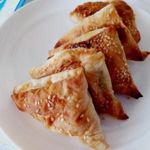 Tриаголници од готови кори со компири (посно)