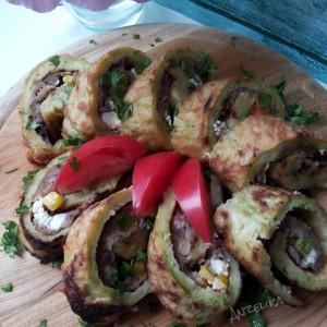 Ролати од тиквички со мелено месо