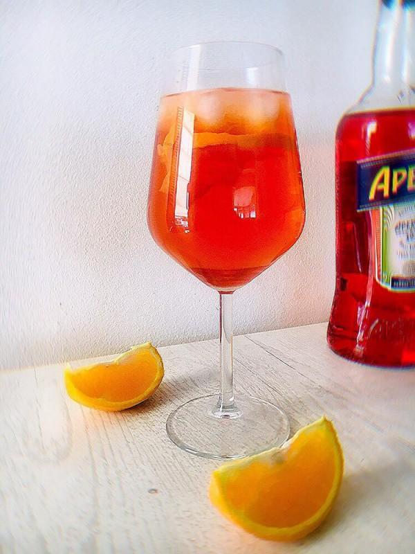 Аперол шприц (коктел)