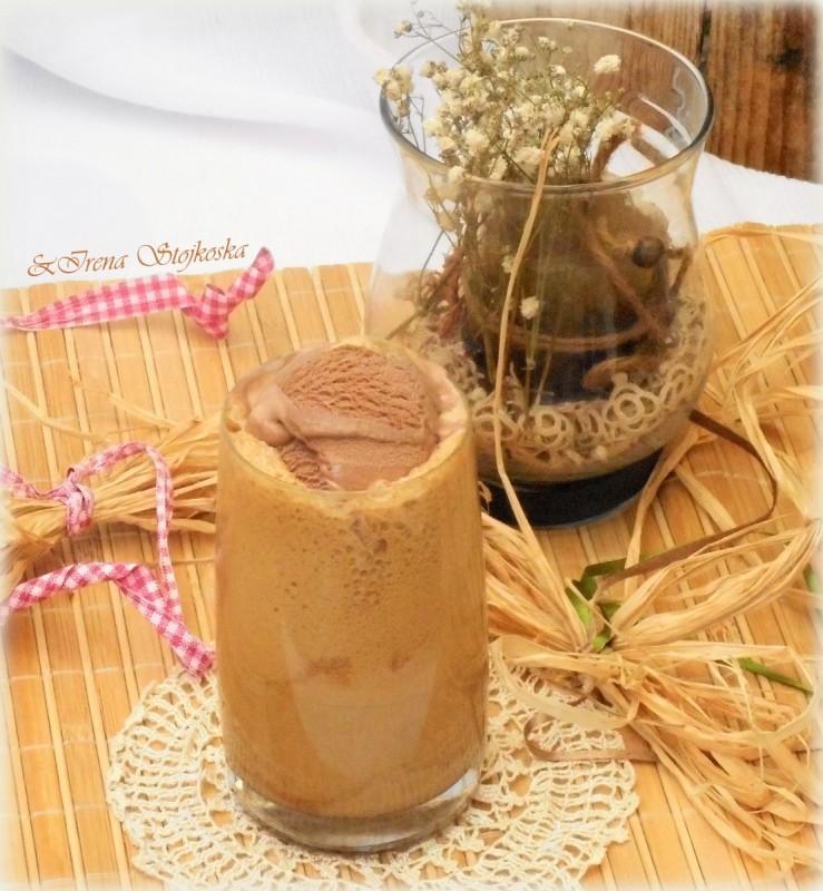 Инстант кафе со сладолед