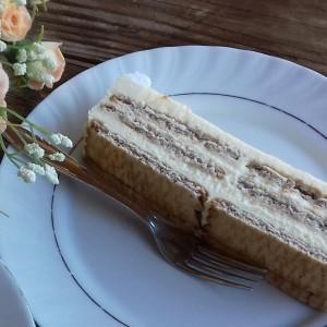 Ванила торта со бисквити (без печење)