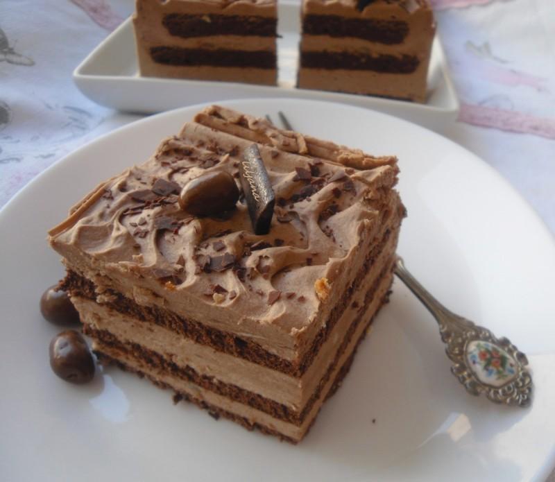 Кафе колач со готови кори Винчини