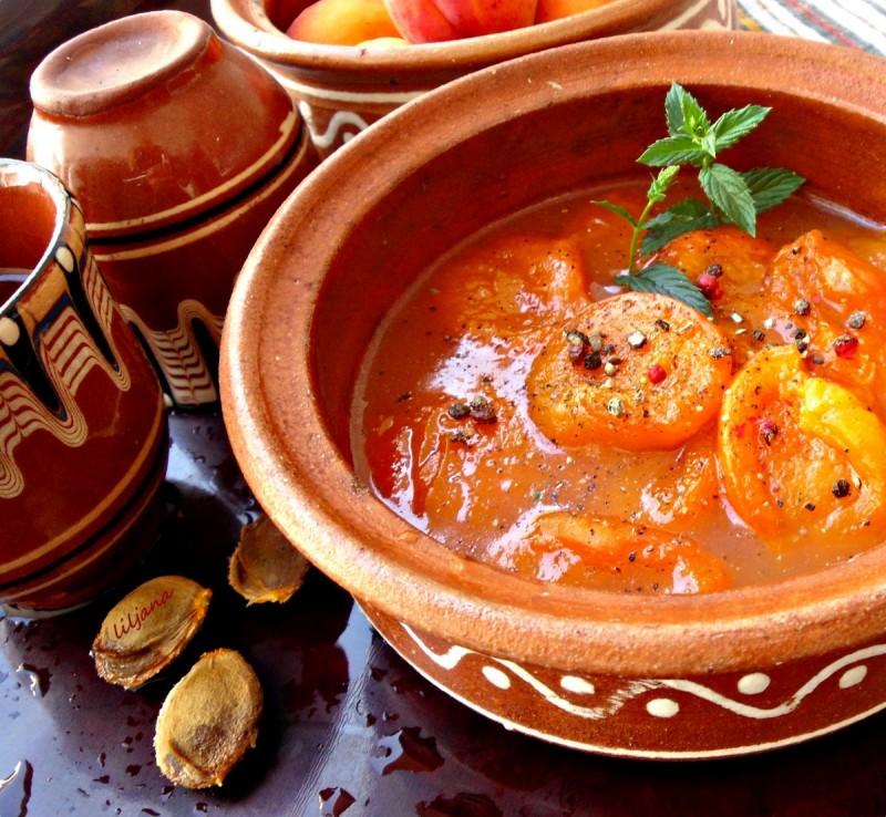 Предјадење од кајсии - од Римската античка кујна - GUSTUM DE PRAECOQUIS