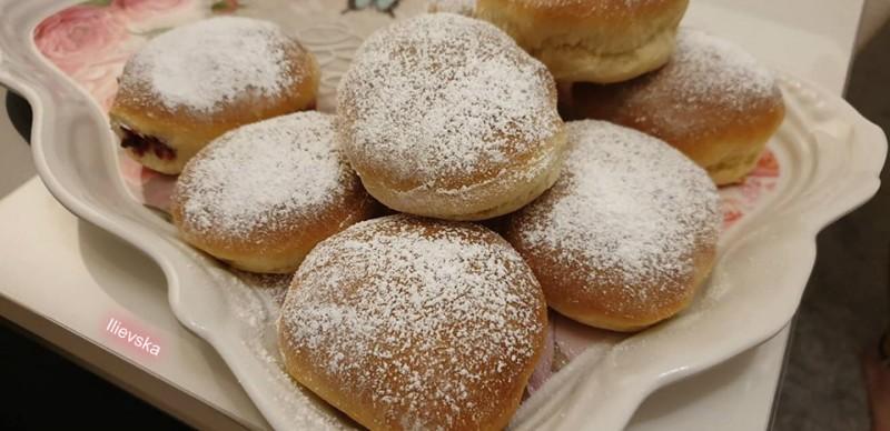 Печени крофни со путер