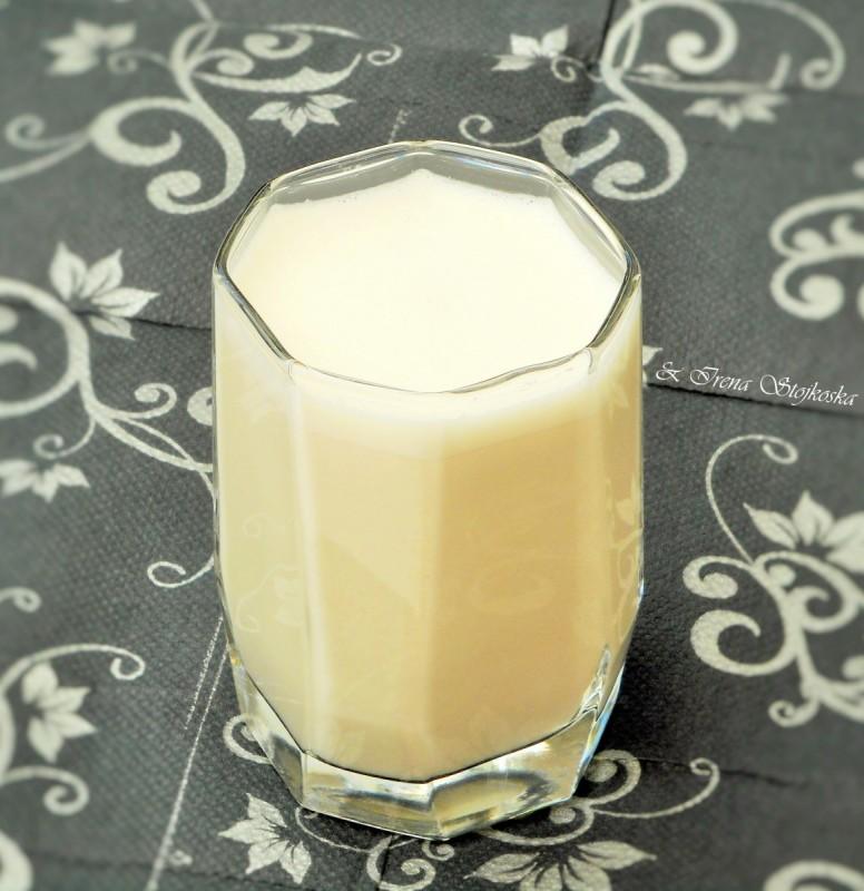 Млеко од сончоглед (посно)