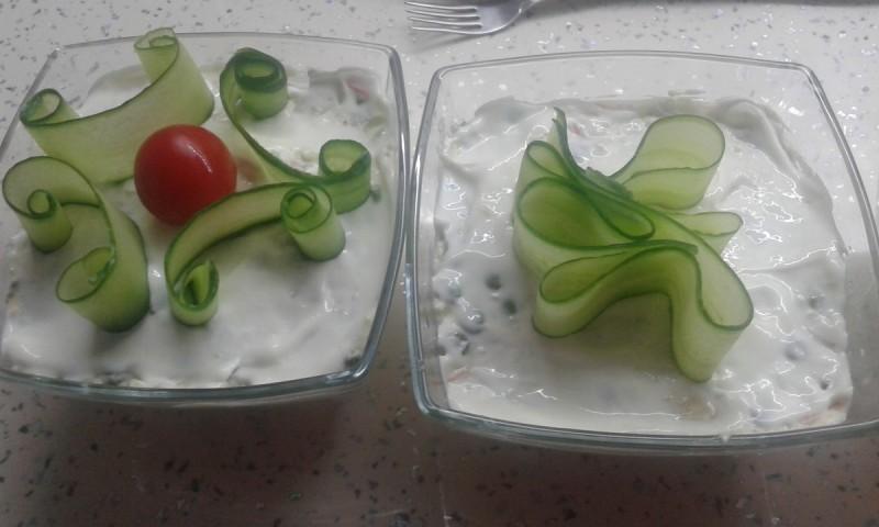 Крем салата од макарончиња со зеленчук