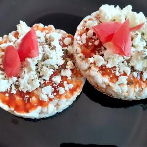 Problem slika: Пица оризови галети со сирење