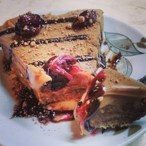 Брза чоколадна торта (без печење)