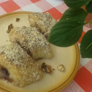 Парени колачи со ореви и цимет (посно)