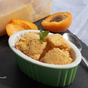 Сладолед од кајсии и кокосово млеко (посно)