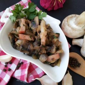 Печурки пржени со сланина и кромид