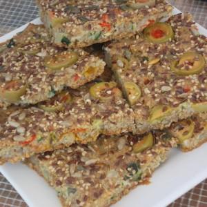 Брза интегрална пита-пица со зеленчук и семиња (посно)