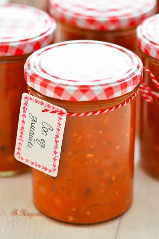 Сос од домати (зимница)