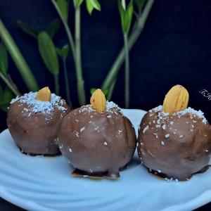 Кокосови топчиња во чоколадо