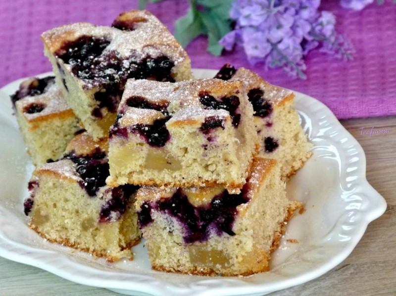 Путер колач со боровинки и локум
