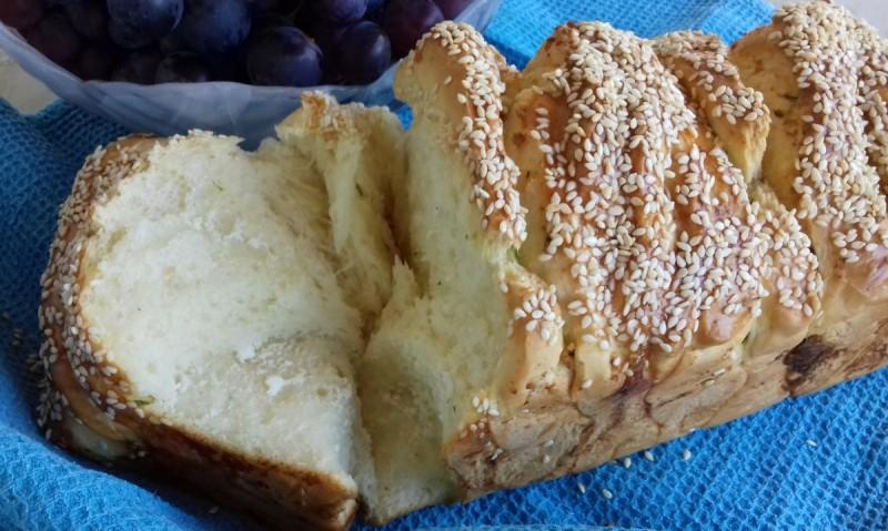 Pull apart леб со урда и босилек