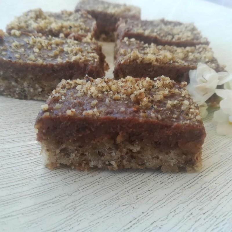 Чоколаден колач со ореви