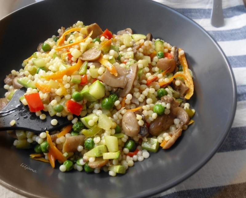 Кус-Кус со зеленчук