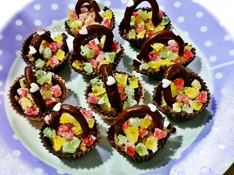 Чоколадни кошнички со ореви и желе (посно)