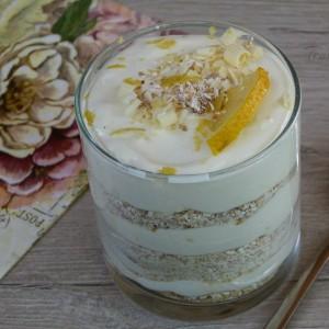 Лимон чизкејк во чаша