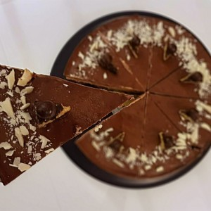 Лажен чоколаден чизкејк (без печење)
