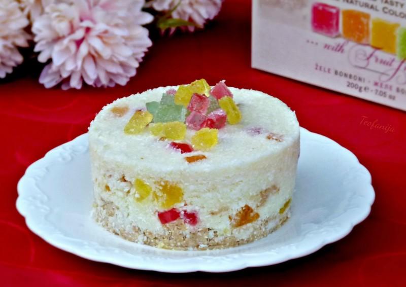 Кокос торта со желе бонбони (без печење, без миксер)