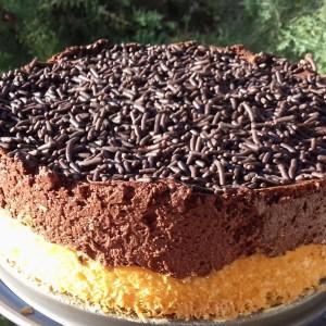 Мала мус торта со лешници и нутела