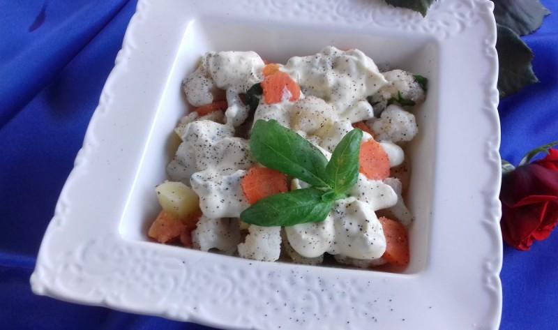 Карфиол салата со прелив