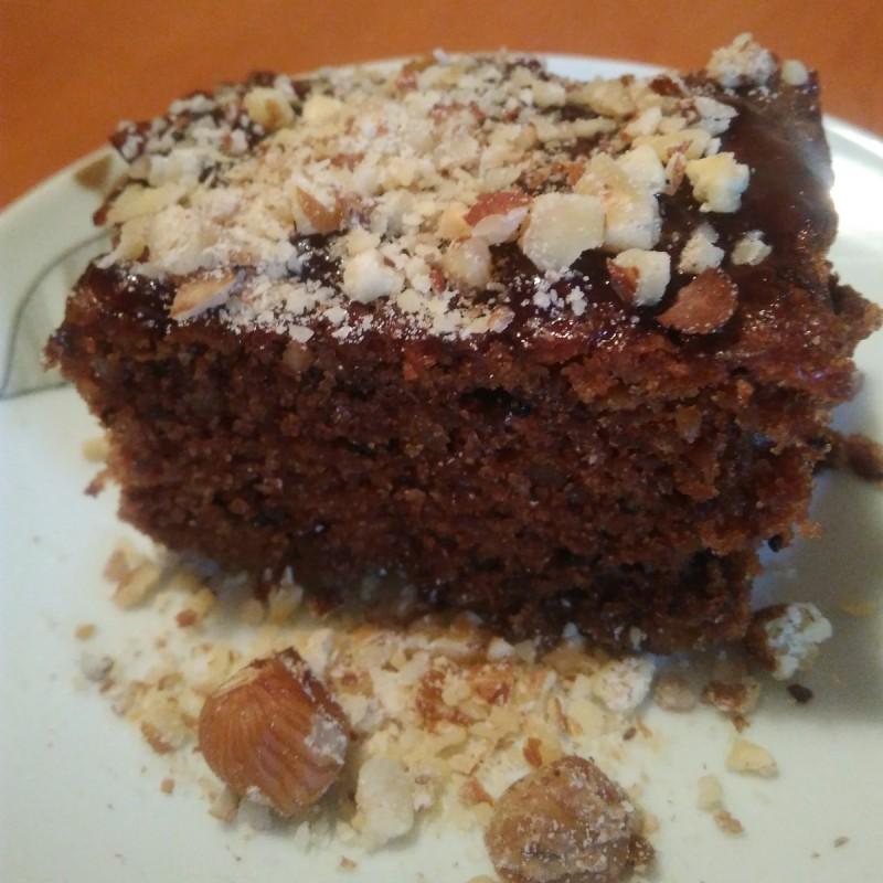 Брза торта со мармалад, цимет и лешници (посно)