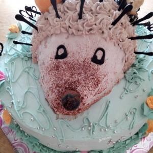 Торта еж на ливада
