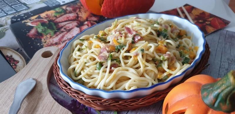 Шпагети во сос од тиква и сланина