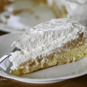 Едноставна торта со јаболка