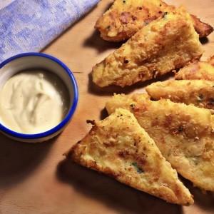 Полпети од компир со печеница и кашкавал