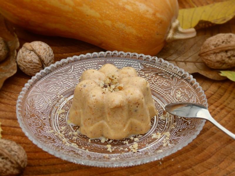 Сладок десерт со тиква, ореви и палента