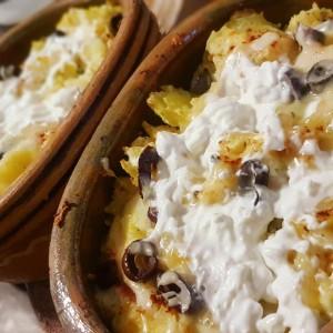 Запечени компири со кашкавал и павлака